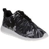 Nike Roshe One Print Sneakers